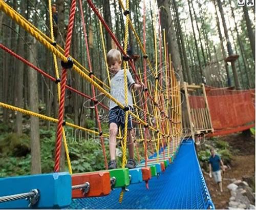 户外高空丛林穿越游乐设施拓展基地,游乐设备户外特色拓展训练
